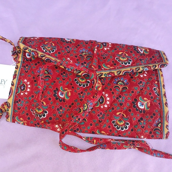 17ab3c3660b7 NWT VERA BRADLEY JEWELRY ROLL IN COLETTE RED